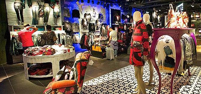 Desigual busca dependientes para tiendas en Alicante